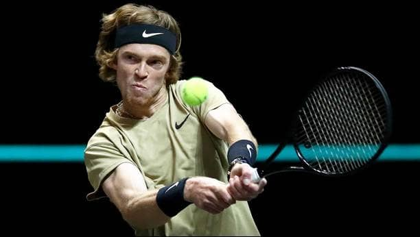 rublev-rotterdam-2021-friday-backhand